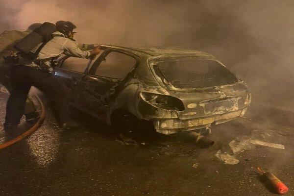 آتشسوزی یک خودرو در تونل آزادراه تهران- پردیس/ عکس