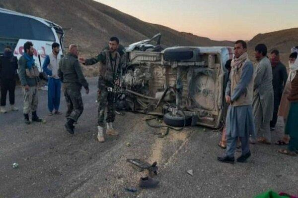Afganistan'da minibüs ile tır çarpıştı: 14 ölü