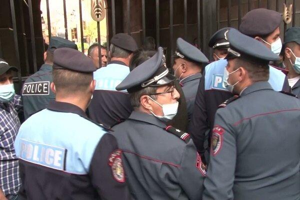 Ermenistan'da tansiyon yüksekliyor