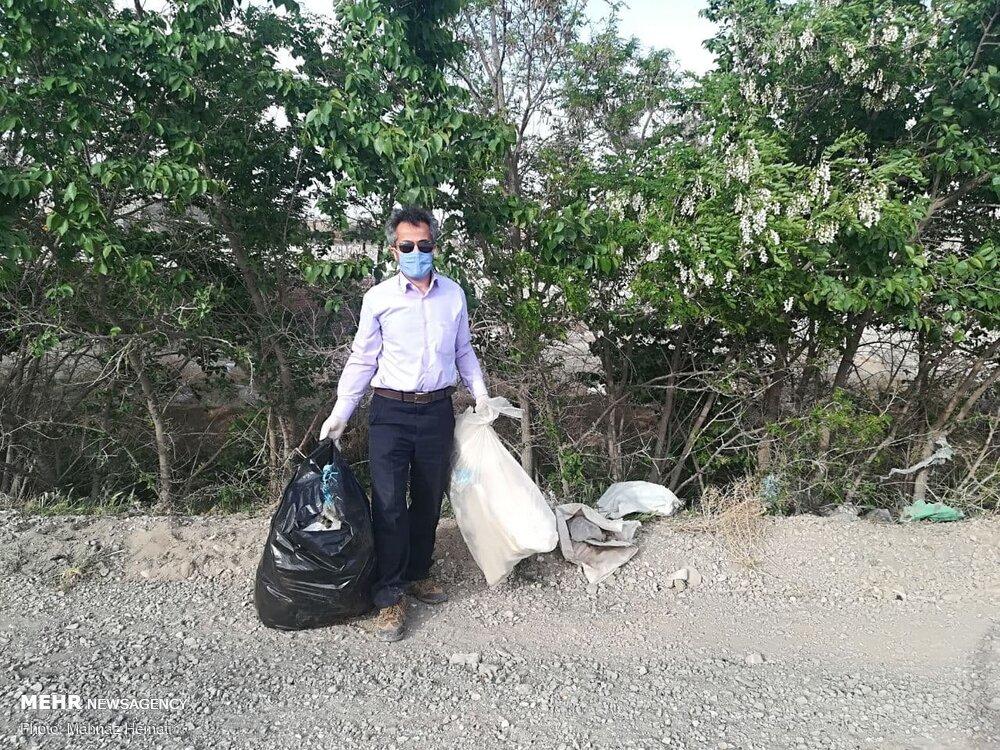 گردشگران زباله های خود را در حاشیه خیابانهای لواسان رها می کنند