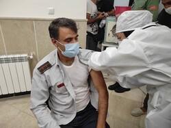 واکسیناسیون ۵۰۰ نفر از نیروهای عملیات آتش نشانی اصفهان