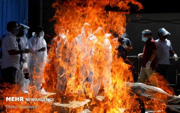 Hindistan'da ölümler 4 binin altına düşmüyor