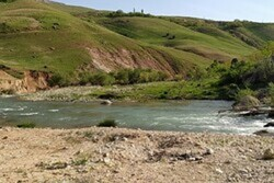 VIDEO: Springtime beauty of Bazoft River in SW Iran