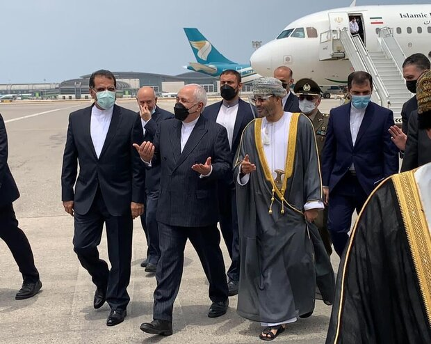 Iran FM arrives in Muscat