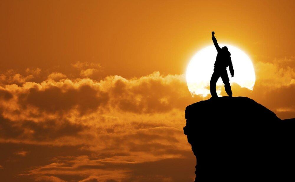 انسان آزاده اسیر دنیا نمی شود