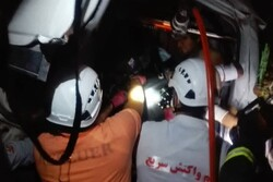 واژگونی پژو پارس خیابان امام خمینی ۵ مصدوم داشت/سوختگی شدید ۲ مرد در انفجار منزل مسکونی