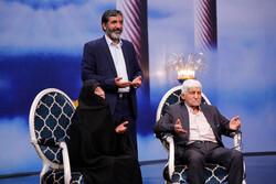 روایت های جنگی حاج حسین تماشایی شد/ شنیدن قصه یک زوج جوان جهادی