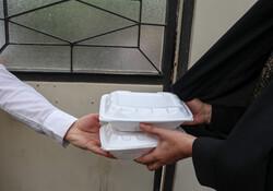دانشجویان علوم پزشکی بجنورد هزار وعده غذای گرم توزیع میکنند