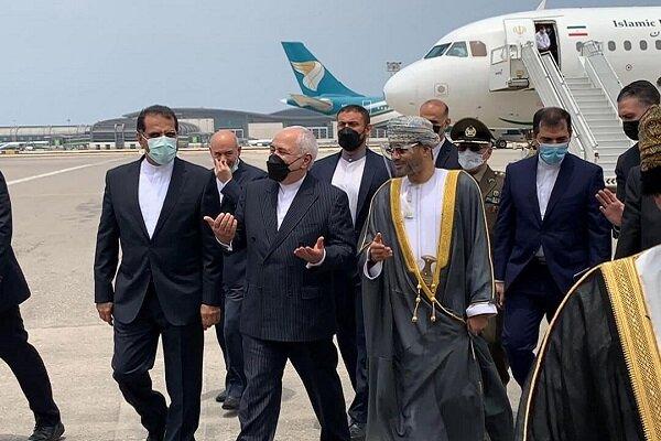 Dışişleri Bakanı Zarif Umman'da