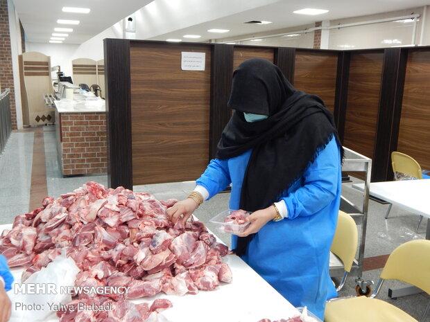 ذبح و توزیع  ۱۴۲ راس گوسفند در بین نیازمندان کرمانشاهی
