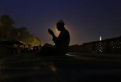ارزش شب و سحر در عرفان اسلامی چیست؟/تقوا از نتایج امساک روزهدار است/شرح دعای روز هجدهم ماه رمضان