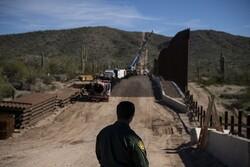 پنتاگون بودجه ساخت دیوار مکزیک را قطع کرد