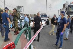 Three Zionist soldiers wounded in shooting in West Bank