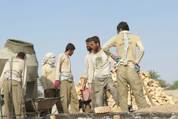 اجرای مرحله نخست اردوی جهادی توسعه خانه عالم در روستاهای دالاهو