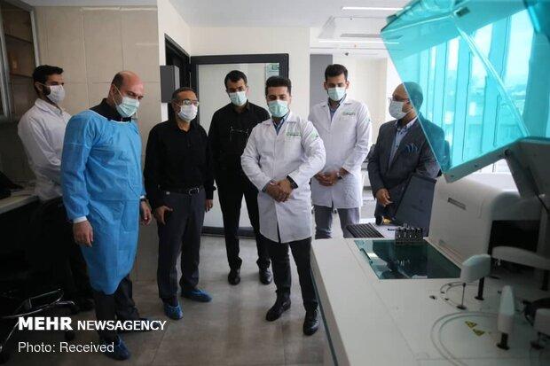 بازدید مدیرکل اداره کل تجهیزات پزشکی کشور از خط تولید کیتهای تمام اتوماتیک تشخیص آزمایشگاهی