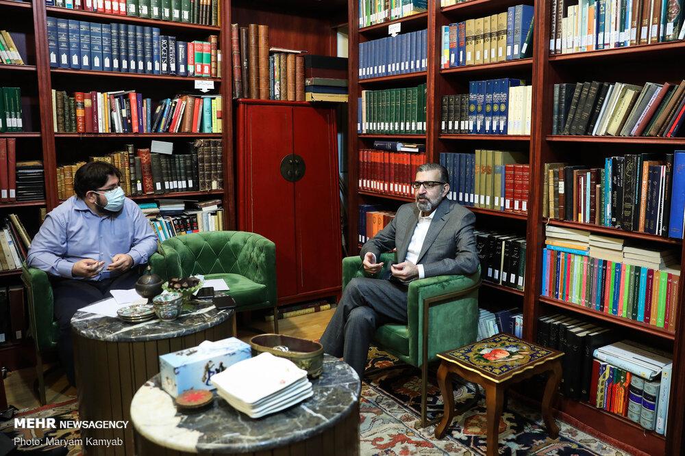 روحانی کمتر حرف میزد،کشور بهتر اداره میشد/دولت به اصلاحات آسیب زد