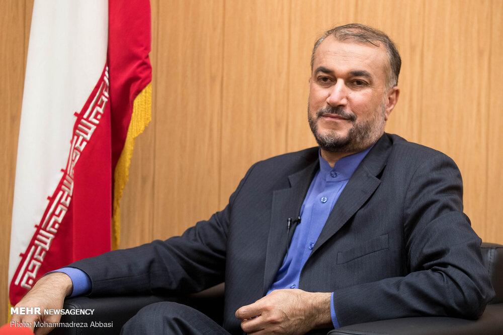 وزیر امور خارجه به تهران بازگشت