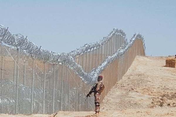 Four Pakistani soldiers killed on Afghan border: report