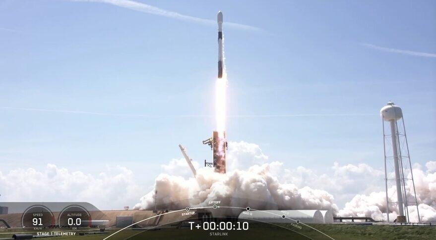 ۶۰ ماهواره اینترنتی به مدار زمین رفتند