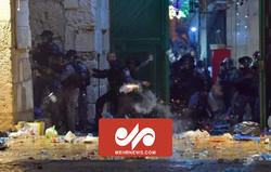 VIDEO: Zionists attack Palestine worshipers at Al-Aqsa Mosque