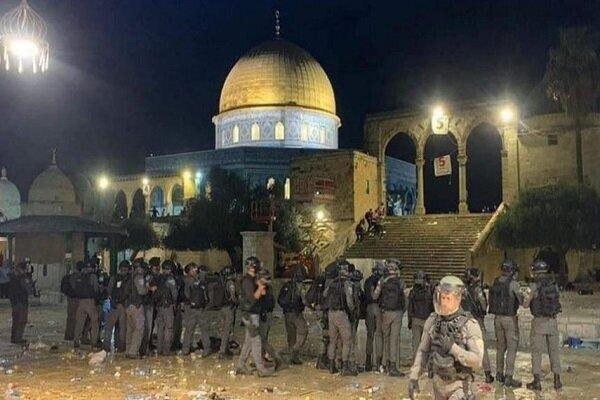 هدوء بالأقصى ودعوات للتظاهر اليوم نصرة للقدس بعد ليلة دامية