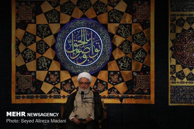 مناجات خوانی شب های پایانی ماه مبارک رمضان