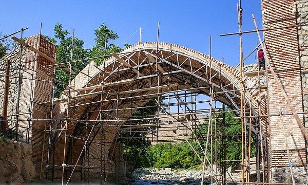 Tahran'ın tarihi köprüsünde restorasyon sürüyor
