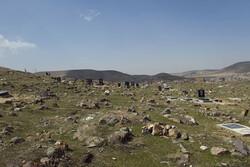 تخریب گورستان تاریخی آذربایجان توسط سودجویان /سنگ نوشته های قبرستان شاد آباد نیازمند توجه