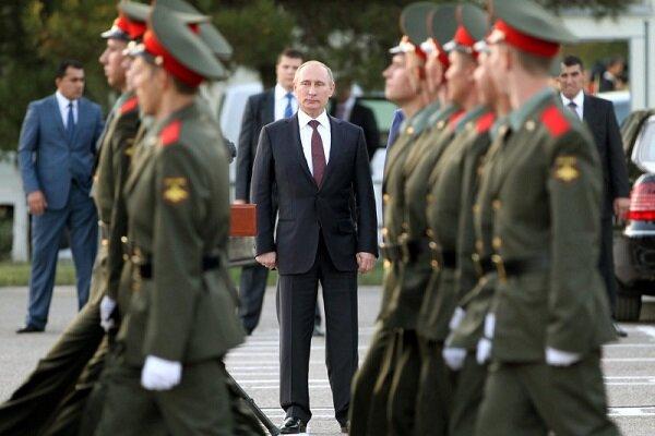 پوتین به تماشای قدرت نظامی روسیه می نشیند
