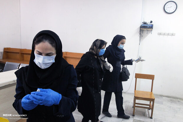 İran'da koronavirüse karşı aşılama çalışmaları devam ediyor
