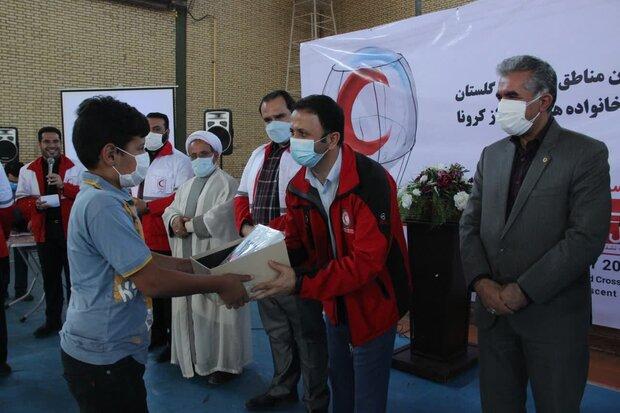 توزیع ۲۱۹ تبلت در مناطق سیل زده گلستان/۱۰۰۰ بسته معیشتی اهدا شد