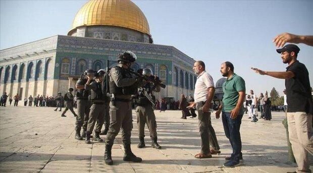 VIDEO: Zionists' raid on women in Al-Aqsa