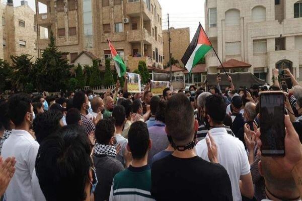 تجمع اعتراضی اردنیها در برابر سفارت رژیم صهیونیستی در «امان»
