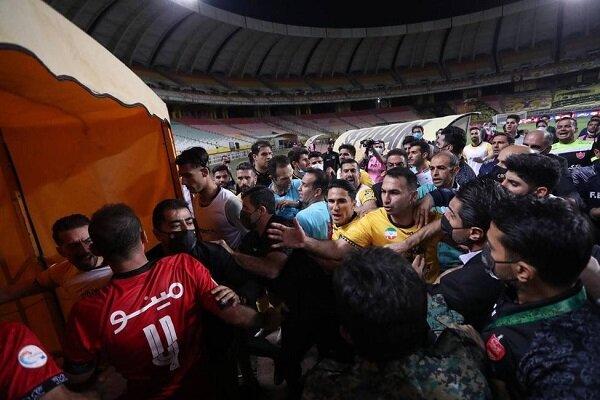 فدراسیون فوتبال پرسپولیس، استقلال و سپاهان را نقره داغ کرد