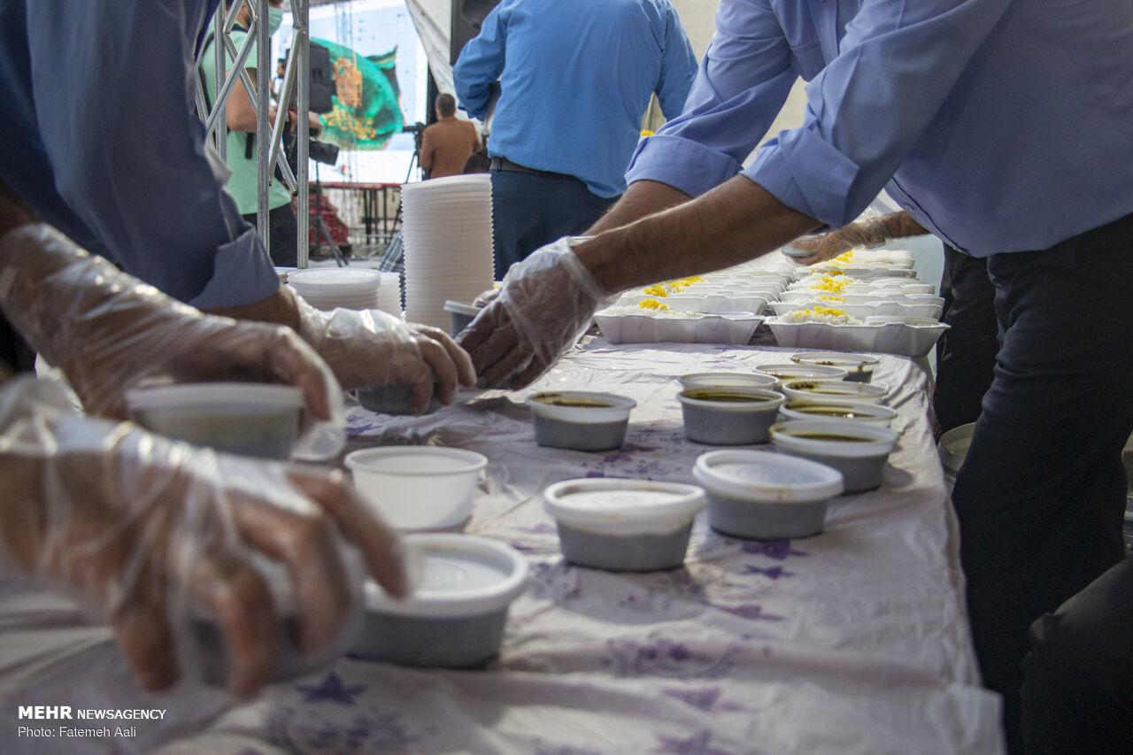 توزیع هزار غذای گرم توسط دانشجویان علوم پزشکی بجنورد بین محرومان