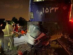 برخورد قطار با پراید/ ۲ نفر مصدوم شدند