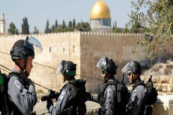 Zionists withdraw from Al-Aqsa Mosque after Al-Qassam warns