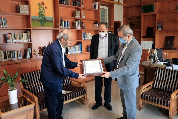 علی نصیریان رئیس گروه نمایش و ادبیات نمایشی فرهنگستان هنر شد