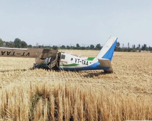 سقوط هواپیمای آموزشی در اراک خلبان و کمک خلبان رابه کام مرگ کشاند