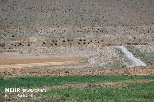 سدهای خاکی خالی از آب