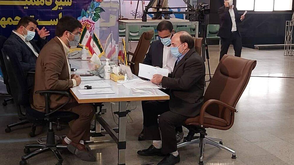 3765396 - اولین روز ثبتنام داوطلبان ریاستجمهوری در خیابان فاطمی