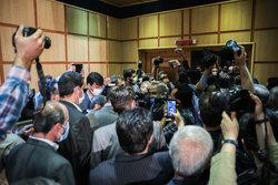 روز شلوغ خیابان فاطمی/ رئیس جمهور سابق و وزرایش آمدند/ ثبت نام ۱۳۰ نفر برای ریاست جمهوری