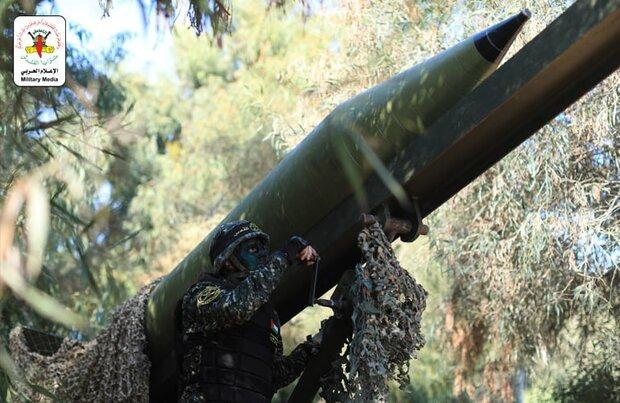 سرايا القدس توجّه ضربة صاروخية كبيرة بـ 100 صاروخ