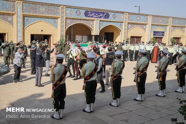 تشییع پیکر شهید صادق کریمی در شیراز
