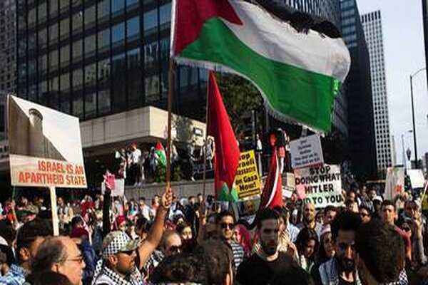 VIDEO: Hundreds protest in Chicago in support of Palestinians