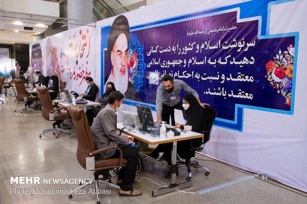 کدخدایی از ستاد انتخابات کشور بازدید کرد