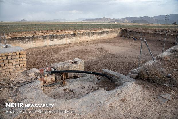 سیستم های آب رسانی که با صرف هزینه زیاد ایجاد شده و در معرض تخریب می باشد.