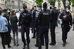 Fransa'da sağlık personellerinden hükümet karşıtı protesto