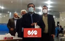 ورود پرحاشیه عزت الله ضرغامی به ستاد انتخابات کشور