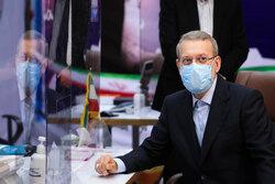 لاریجانی: عدم حضور در انتخابات پیشرفت جامعه را کُند میکند